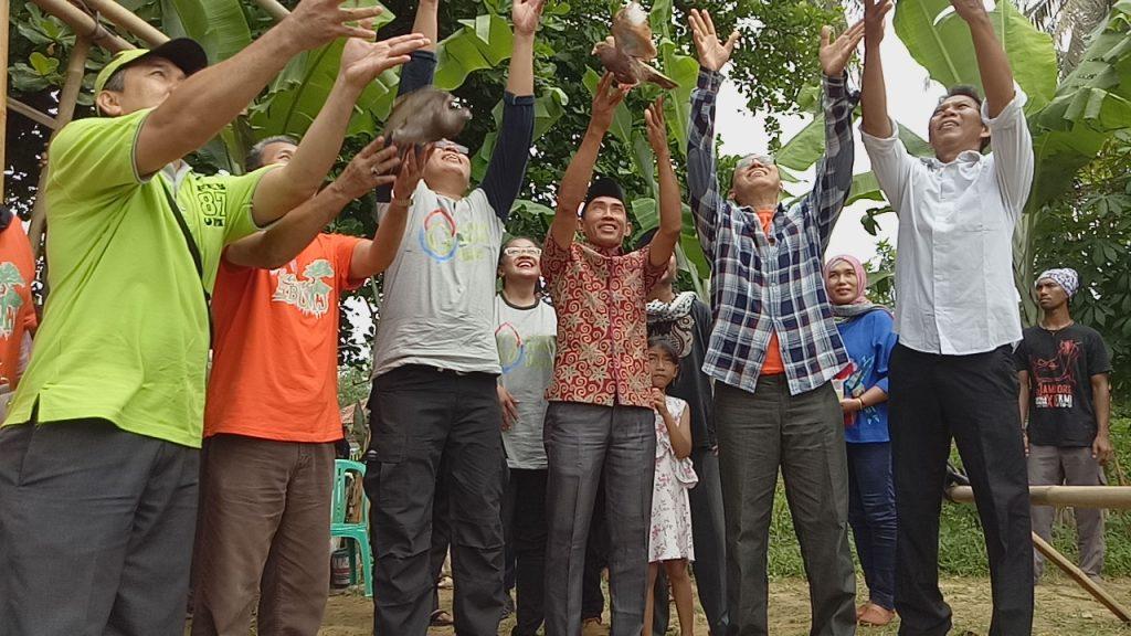 Melepakan Burung Tanda Peresmian Pusat Edukasi Mangrove
