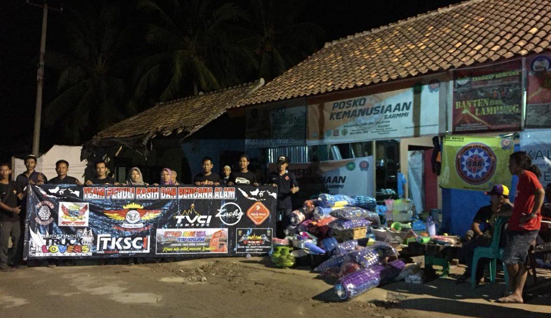 Komunitas Otomatif dan Sepeda Motor dari Berbagai Daerah Bantu KorbanTsunami di Desa Kunjir