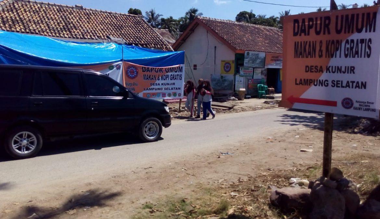 SARMMI, MDMC, dan Relawan Lainnya Kompak Mendirikan Dapur Umum Di Kunjir