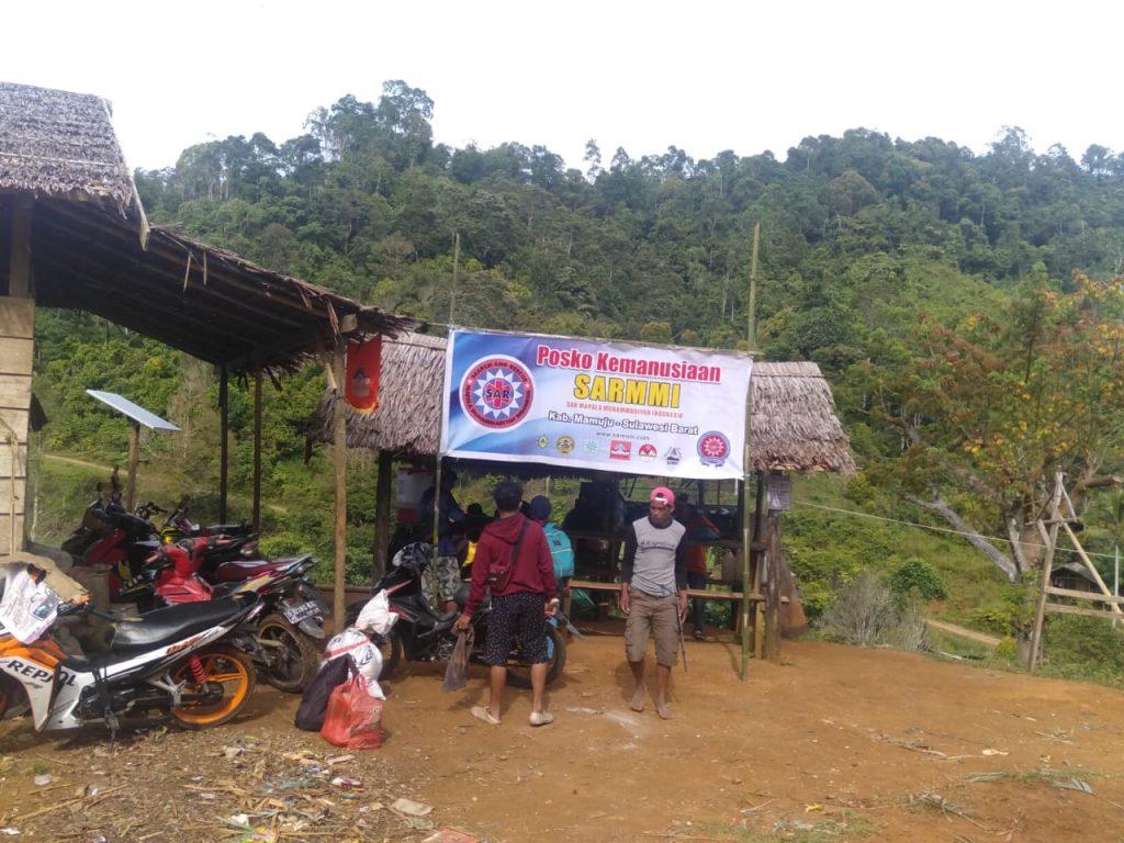 Posko SARMMI yang menjadi posko persinggahan relawan yang hendak ke desa Bela dan desa Kopeang kab. Mamuju